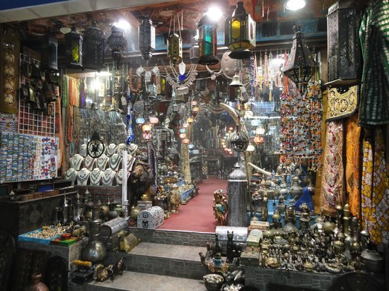 one of many shops in Muttrah Souk - Picture of Mutrah Souq