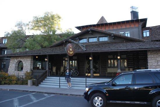 El Tovar Hotel: Vooraanzicht van het hotel