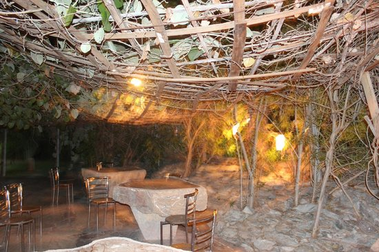 Lohagarh Fort Resort: Oper cafeteria