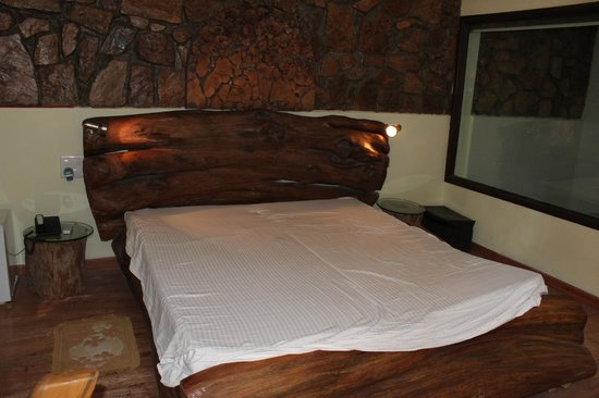 Lohagarh Fort Resort: Room interiors
