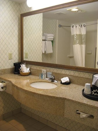Hampton Inn & Suites Outer Banks / Corolla: Bath -- Hampton Inn & Suites, Corolla, NC