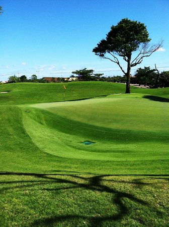 Iberostar Golf Club Playa Paraiso : 18th green - Not a flat spot on it. 7 Rnds. Missed the green