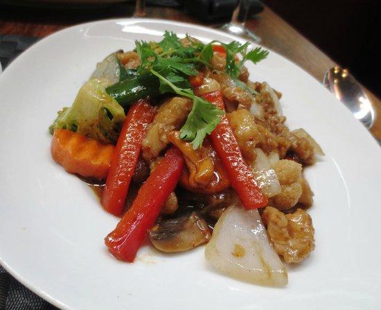 Grasshopper Restaurant: Chicken stir fry