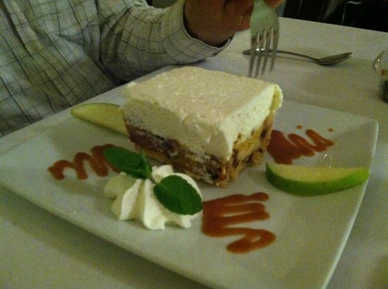 Osteria Monte Grappa: Panettone with whipped cream