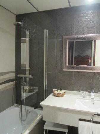 Casa Banos de la Villa: El baño