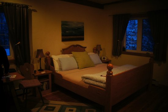Solace on the Mountain Bed & Breakfast Image