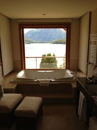 Llao Llao Hotel and Resort, Golf-Spa: bathroom