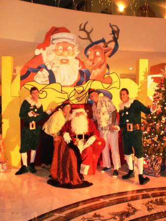 Iberostar Grand Hotel Paraiso: Santa Claus even paid us a visit