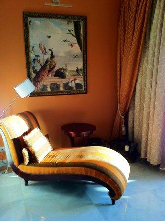 Iberostar Grand Hotel Paraiso : Great sitting area off the bedroom area