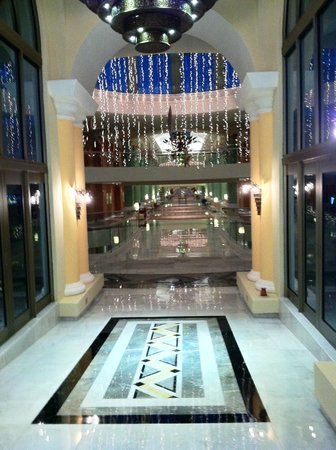 Iberostar Grand Hotel Paraiso: Entrance to the main bldg suites