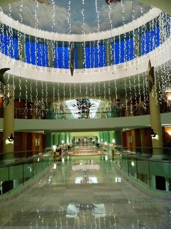 Iberostar Grand Hotel Paraiso: Farther into the main bldg suites area