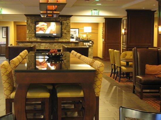 Hampton Inn Lincolnton : Dining Area -- Hampton Inn, Lincolnton, NC