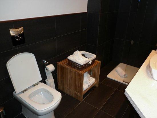 Villa Emilia: Bathroom 