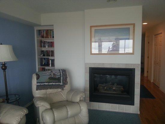 Promenade Condominium : 303 fireplace