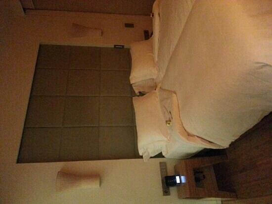 New Hotel: Double bedroom