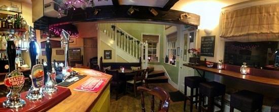 The Old Coach & Horses: Bar area