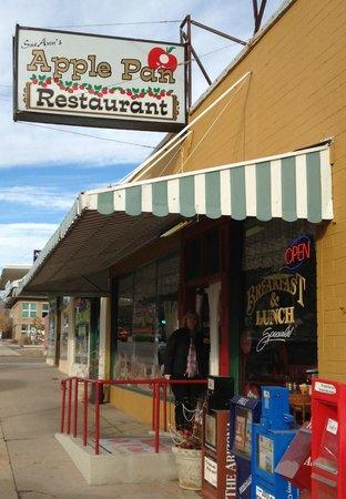 SueAnn's Apple Pan Restaurant