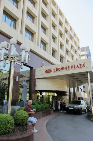 Crowne Plaza Hotel - Athens City Centre: Far from sites but many restaurants around