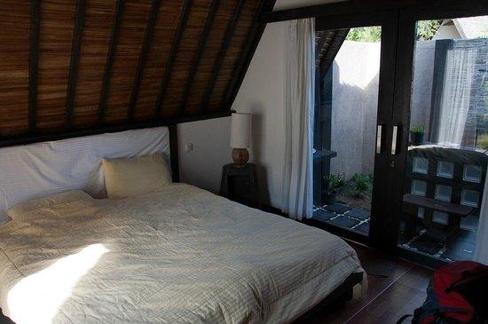 Kaluku Gili Resort: The bed
