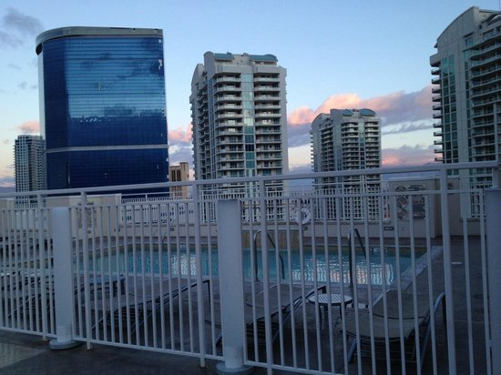 SpringHill Suites Las Vegas Convention Center: Rooftop Pool