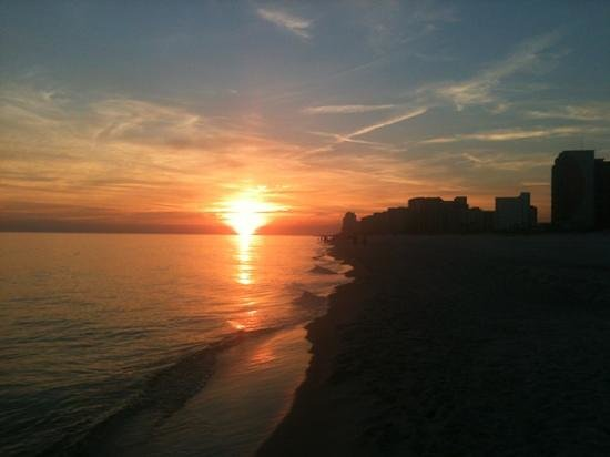 Hampton Inn & Suites Orange Beach: Sunset on Thanksgiving.