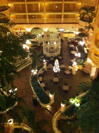 Embassy Suites by Hilton Orlando - International Drive / Convention Center: Atrium (viewed from 6th Floor)