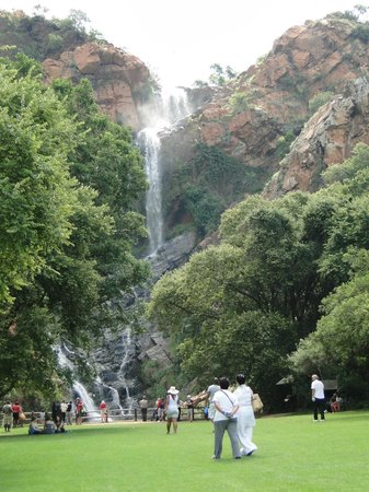 Walter Sisulu National Botanical Gardens: Waterfall, good place to have the picnic