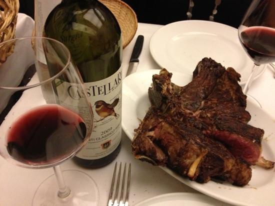 Restaurante Il Latini: fiorentina e Chianti classico riserva...la coppia perfetta