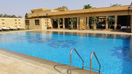 Hotel Rawalkot Jaisalmer: Gateway hotel - the pool