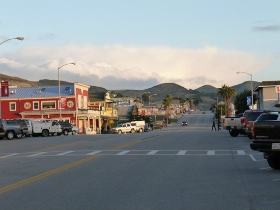 On The Beach Bed & Breakfast: The town of Cayucos