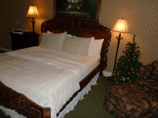 On The Beach Bed & Breakfast: Suite 5 at Christmas Time