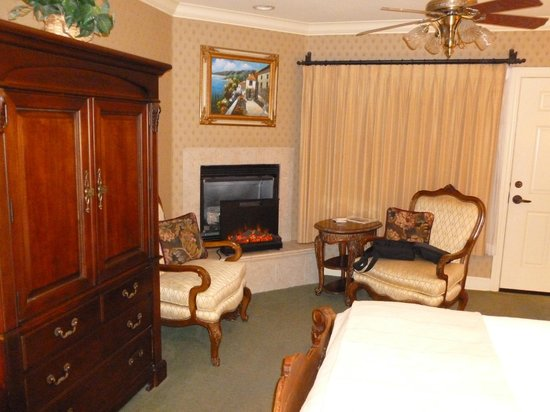 On The Beach Bed & Breakfast: Room 5
