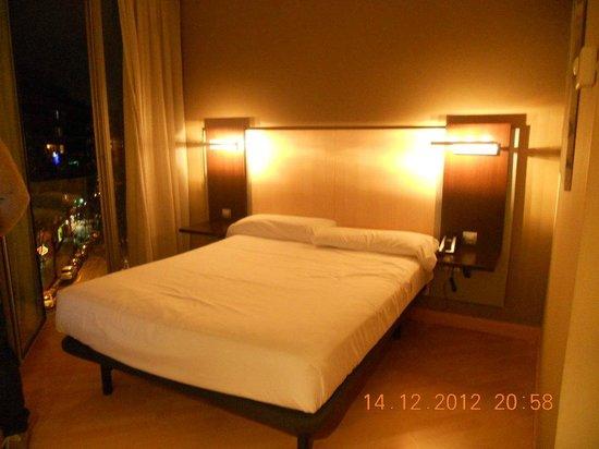 โรงแรมคอนฟอร์เทล ออดิทอริ: letto comodissimo