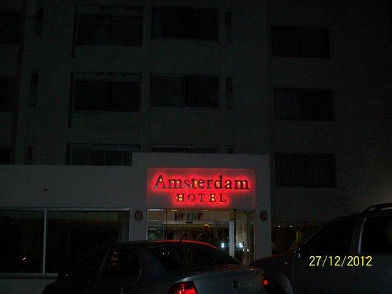 Amsterdam: Entrada del hotel