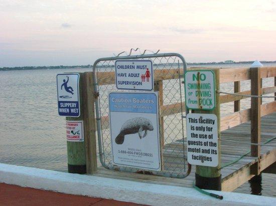 Banana Bay Waterfront Motel: Pier/dock