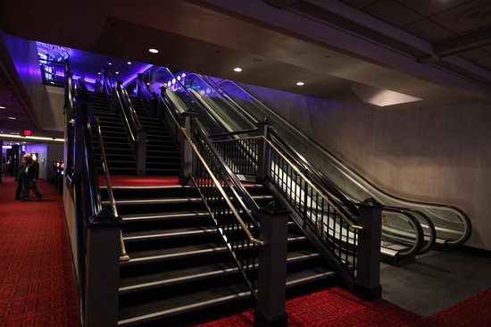 Reserve Casino Hotel: Entry Way