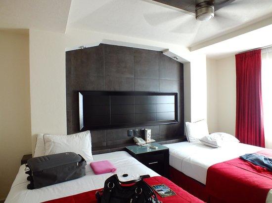Hotel Portonovo Plaza: La habitación.