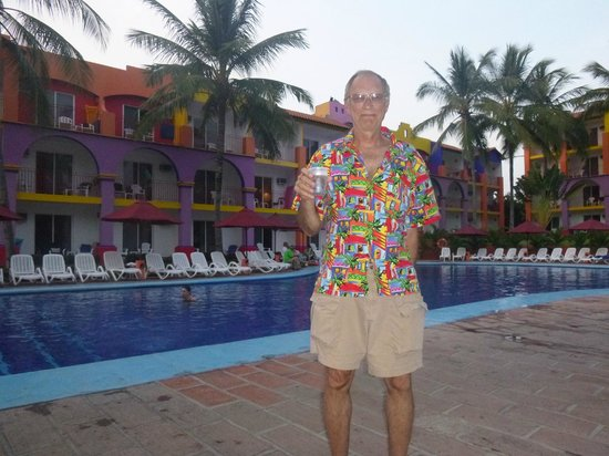 Royal Decameron Complex: Hanging out by the pool with a drink