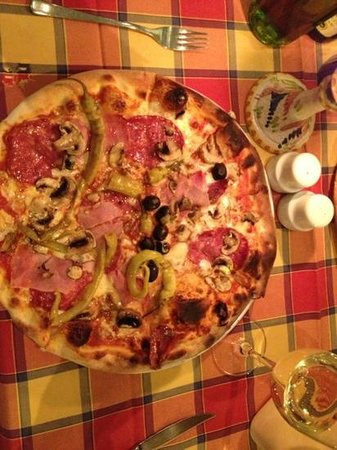 Ristorante Lungomare: Pizza Mista