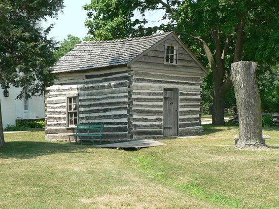 Milton House Museum: Log cabin