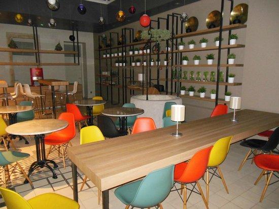 Casati Budapest Hotel: Salle petit-déjeuner