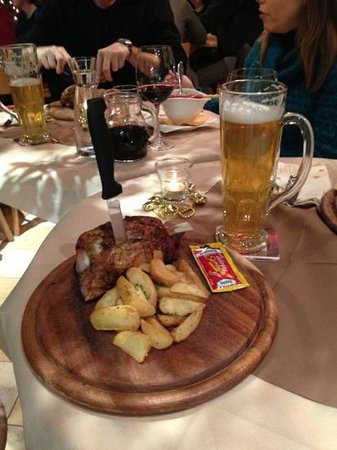 Restaurant Picknick: stinco e birra
