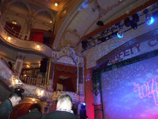 The Pavilion Theatre: Before the show, beautiful Pavilion Theatre