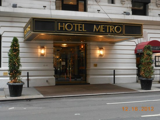 Hotel Metro: Entrance