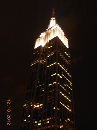 โรงแรมเมโทร: Empire State Building taking from the rooftop of Hotel