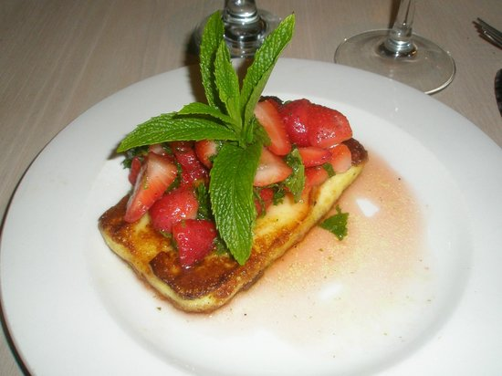 La Pentola: Grilled Halloumi w/ Strawberries
