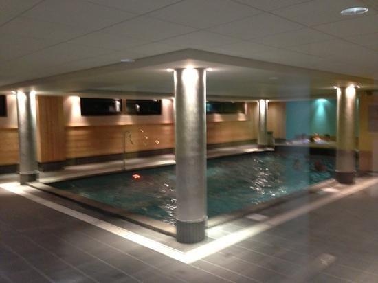 Mona Lisa Deneb : la piscine
