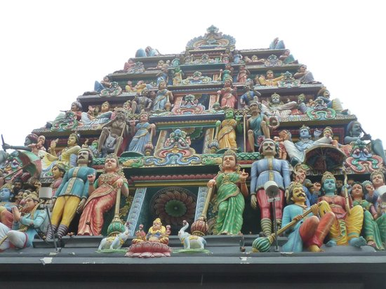 Sri Mariam Man Temple: Temple from the street 1