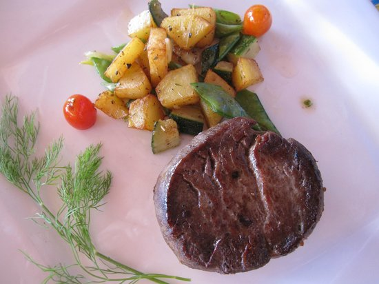 Panwa Boutique Beach Resort: steak