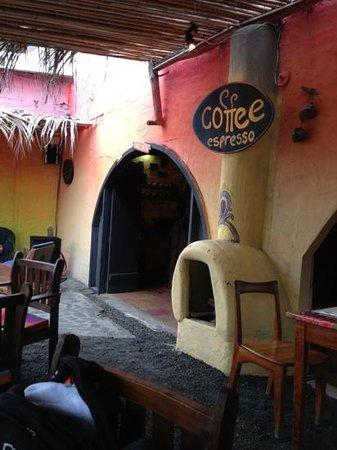 La Tintorera Restaurante & Pub: entrada